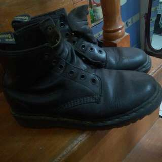 Dr. Martens Shoes (Repriced!!!)1200-->900