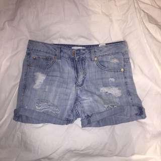 GARAGE - Distressed Boyfriend Shorts