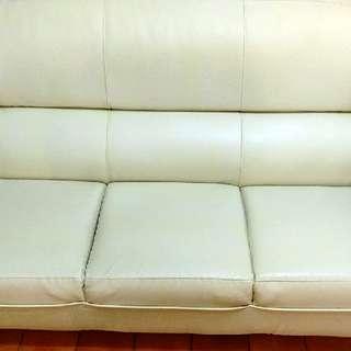 三人座皮製沙發