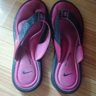 REPRICED:AUTHENTIC PINK NIKE SLIPPERS