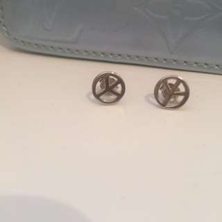 Silver peace earings