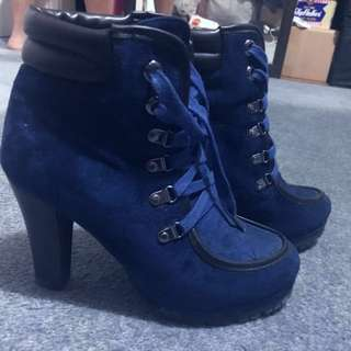 Size 36 Women Ankle Boots With Ties Design