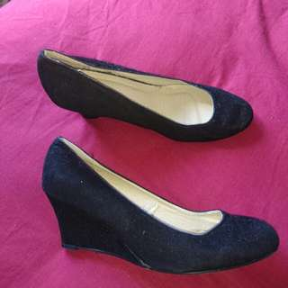 Size 41 / 10 Rubies Velvet Feel Wedge Heel