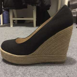 Rubi Black and Tan wedges