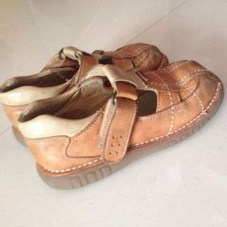 Spanish leather sandals petit shoes