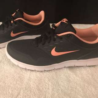 NIKE ORIVE NM RUNNING/TRAINING SHOES - 7.5