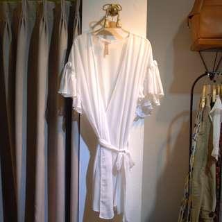 椿花二手衣-白色雪紡圍裹式短袖罩衫