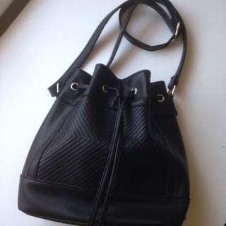 Adjustable Med Shoulder Bag
