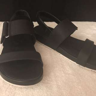 Circus by Sam Edelman Foxy Wedge Sandal Black - size 7