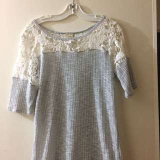 Cotton lace-shouldered top