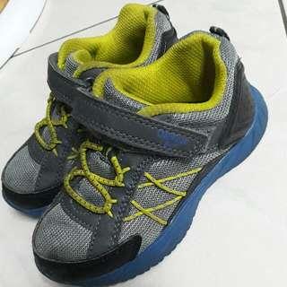 Oshkosh 男童運動鞋