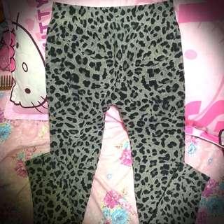 Stretchy Leopard Leggings