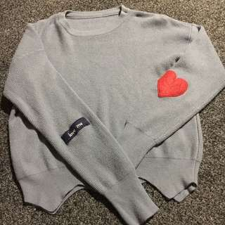 Sweater Size S/M (8)