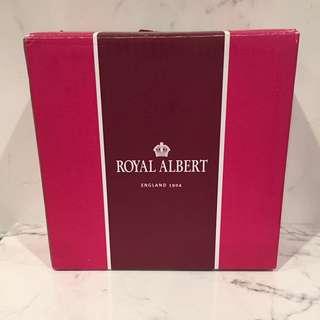 Royal Albert ring holder