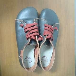 🚚 羊皮休閒鞋