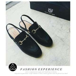 質感新款 🎩 PRESENT21★ 歐美時尚🌠 英倫品味 經典金屬扣飾質感皮革紳士風涼鞋