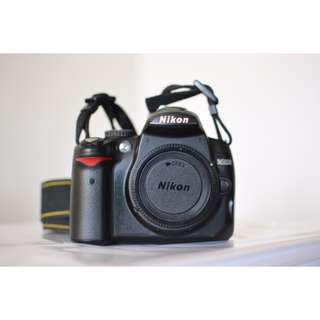 Nikon D5000 body