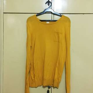 Giordano Yellow Pullovers