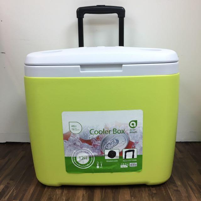 cd4b67afc4e 48L Cooler Box W  Wheels