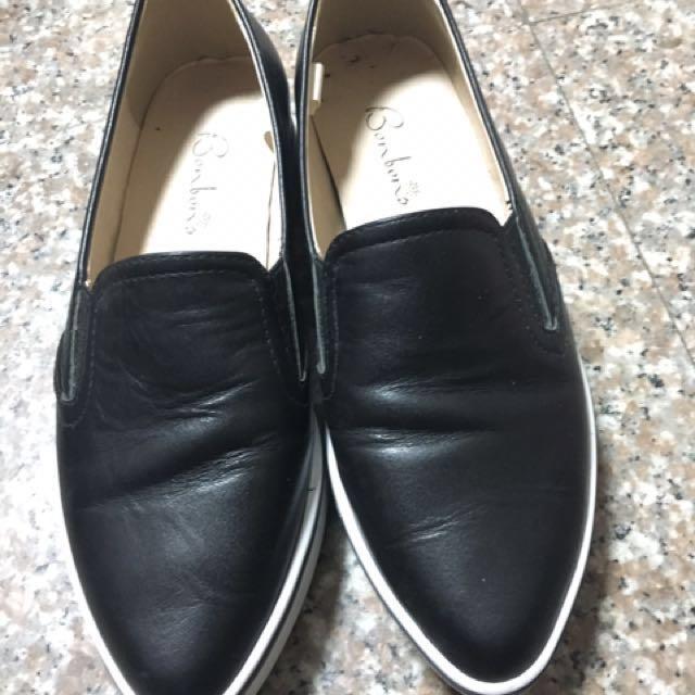 黑色平底尖頭鞋👟