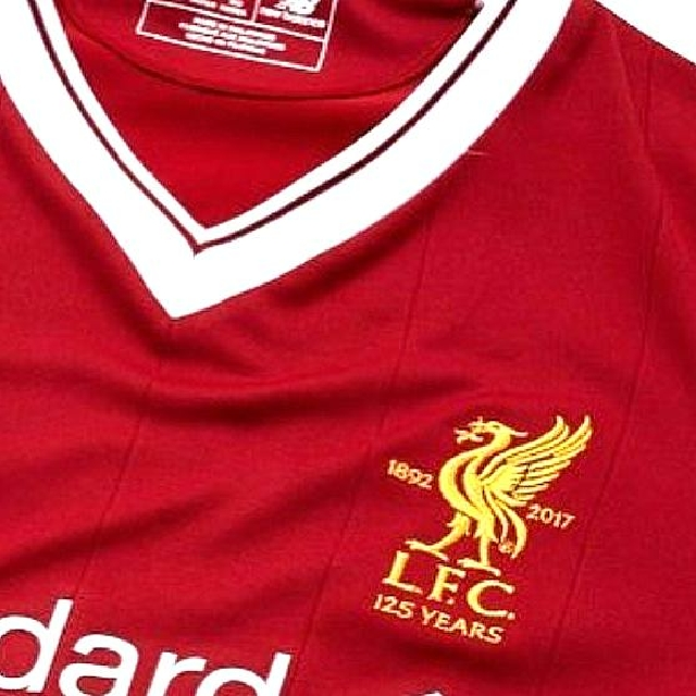 2e29f771f AUTHENTIC Liverpool 17 18 Home Kit Jersey. Size L (asian)