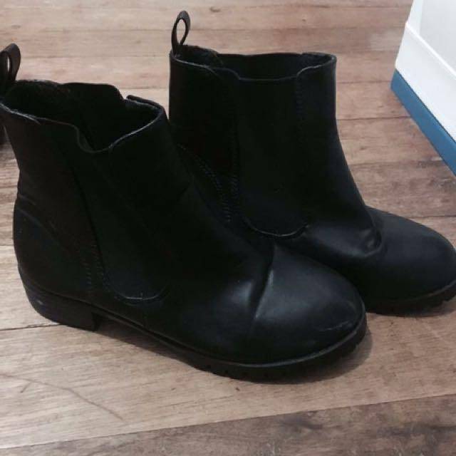 Black Boots 💖