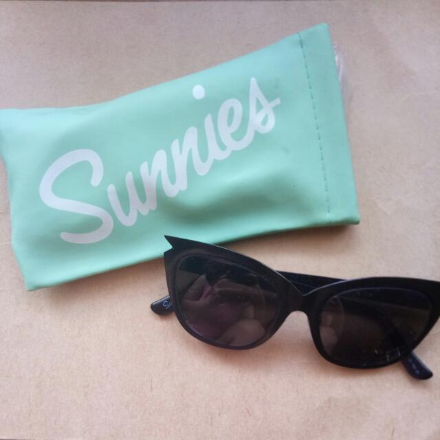 Black Sunnies