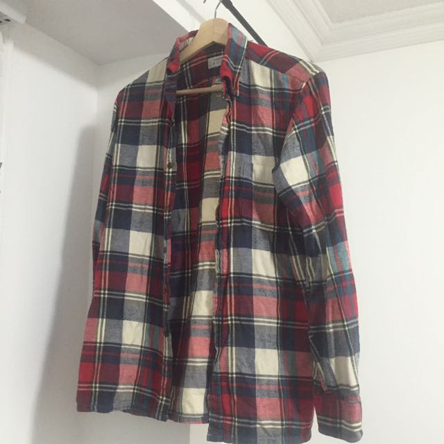 BRANDY MELVILLE OVERSIZED PLAID SHIRT