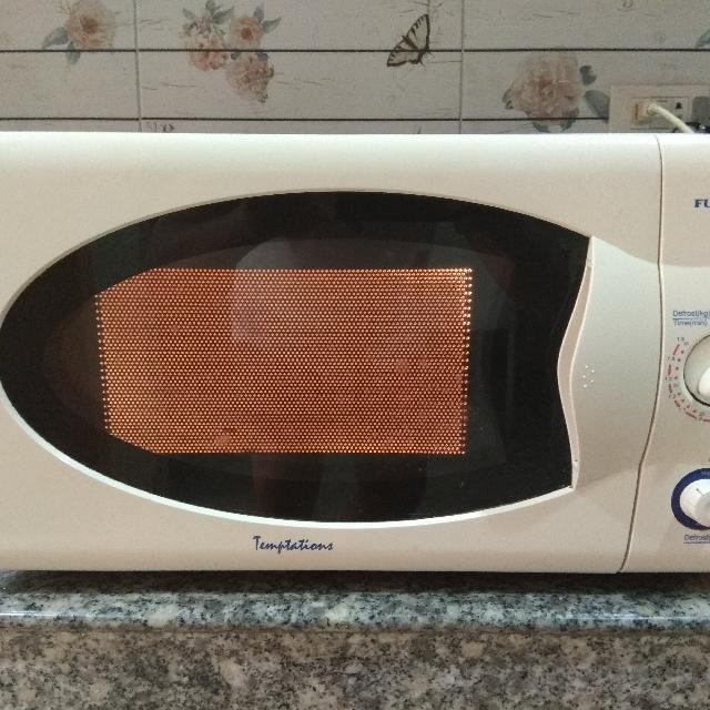 Fujidenzo Microwave oven