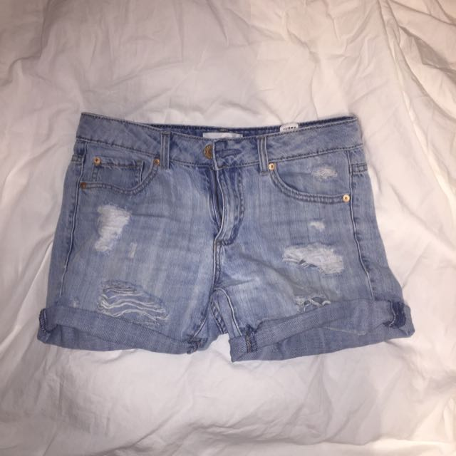 GARAGE - Distressed Boyfriend Shorts