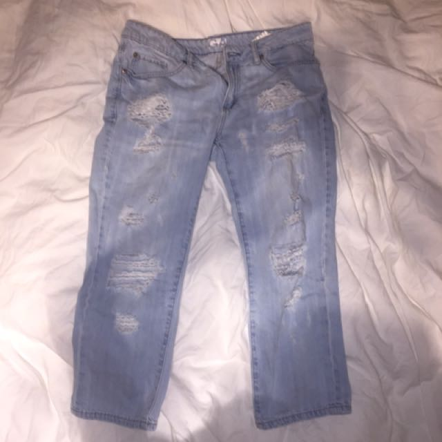 GARAGE - Distressed Mom Jeans