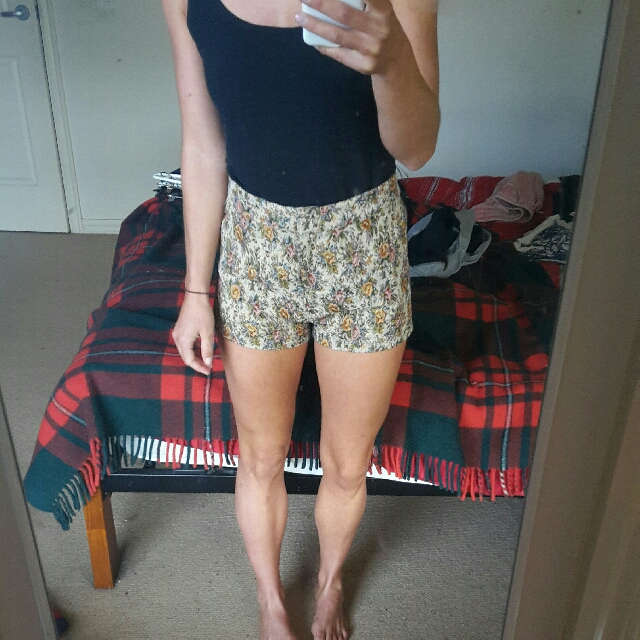 Glassons Tapestry Shorts High Waist Sz 8 Vintage General Pants