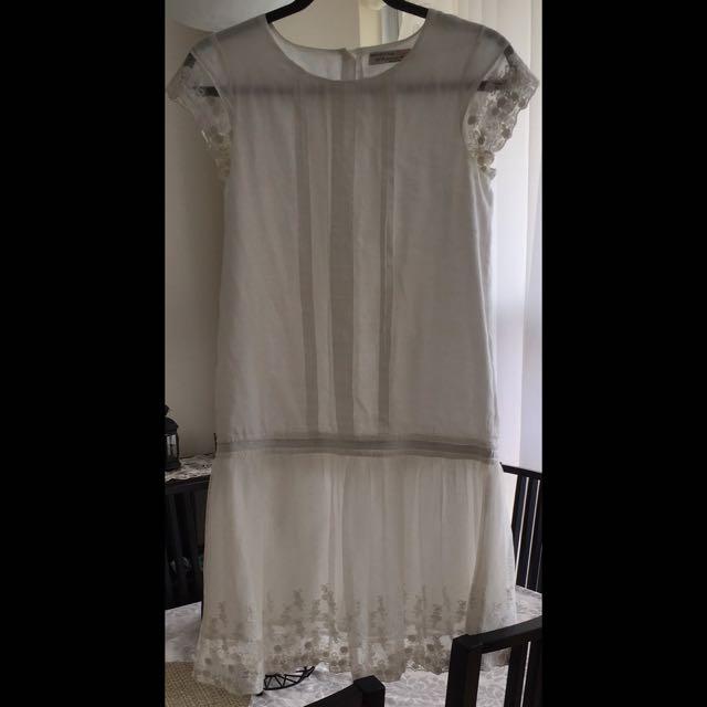 Gorgeous white dress!