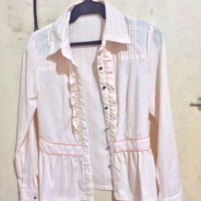 Long sleeve light pink top