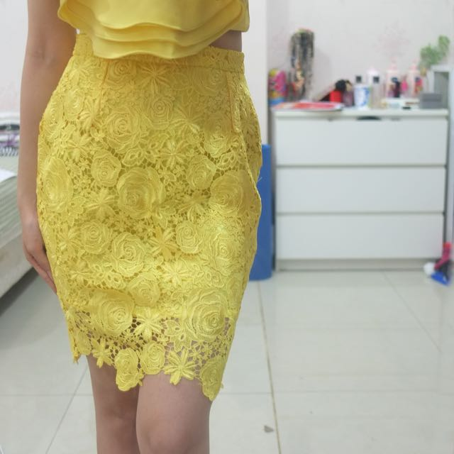MARUFE yellow skirt