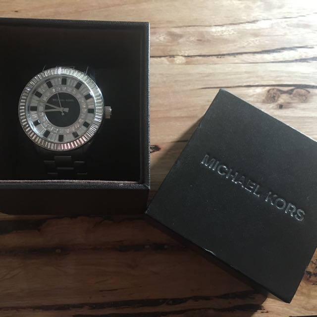 MICHAEL KORS Black ceramic and Crystal watch