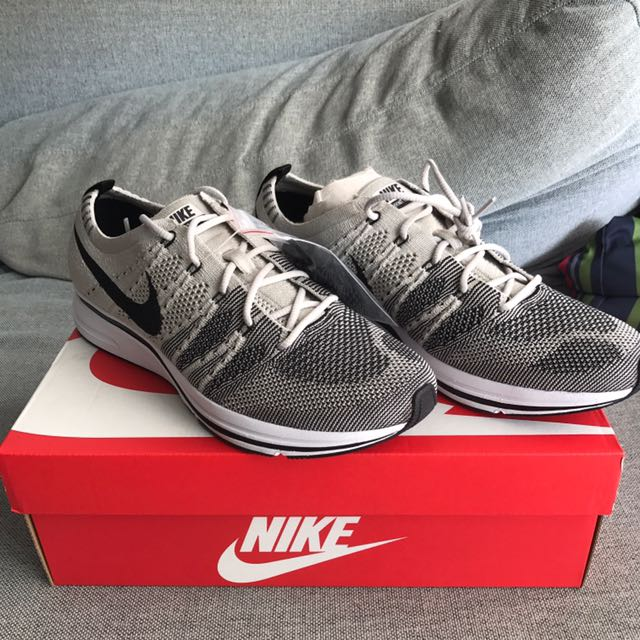 a303bf6a37c076 NIKE Flyknit Trainer pale grey