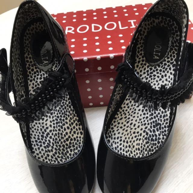 Rodolia shoe