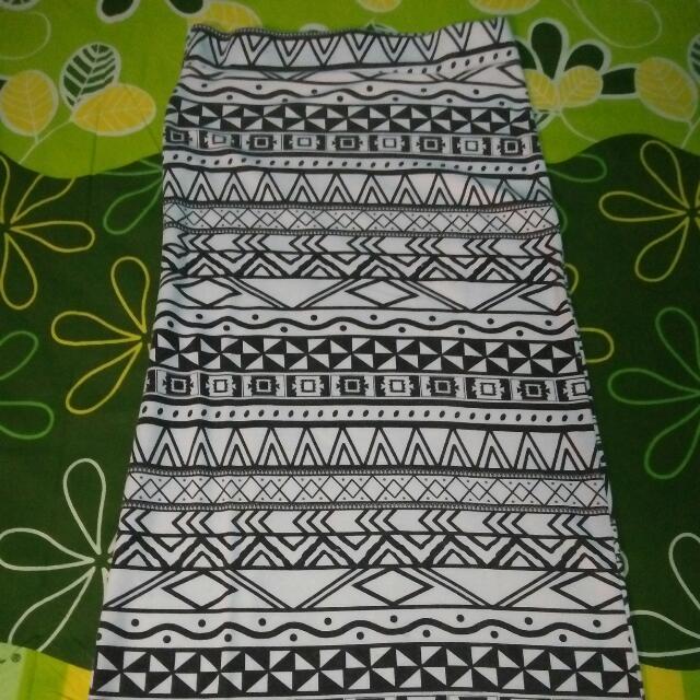 Tribal Print Skinny Skirt