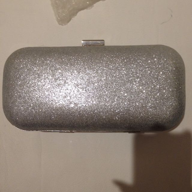 Sparkly silver clutch with chain