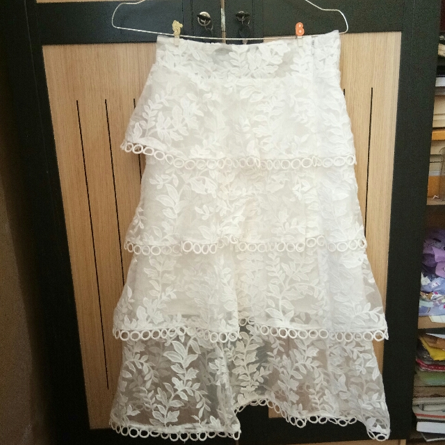 SUPER PRETTY! WHITE SKIRT IMPORT BANGKOK