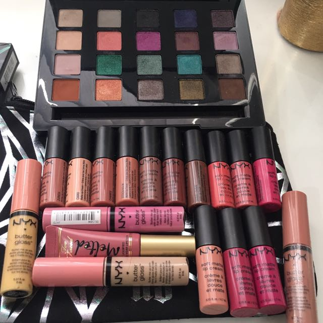 Urban decay vice Eyeshadow Palette And Lip Colours