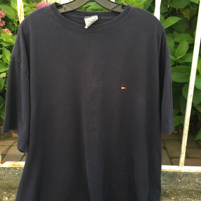 e59dba6f Vintage Tommy Hilfiger t shirt, Men's Fashion, Clothes on Carousell