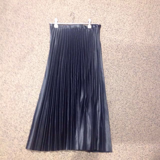 Zara pleated skirt size XS