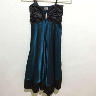 🚚 緞面絲質晚禮服(深綠)