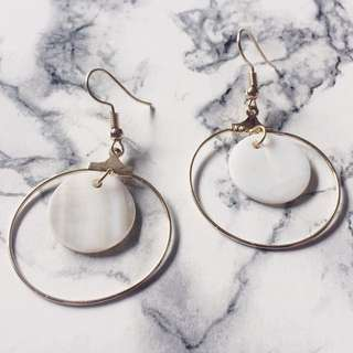 Round Shape Shell Earring