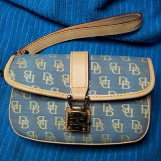 SALE!!!!  P600. DOONEY AND BOURKE FLAP WRISTLET