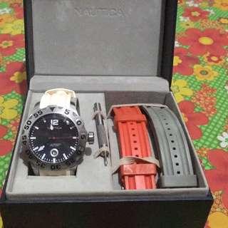 NAUTICA watch with extra 2 straps