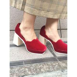 (🇯🇵日本代購)日系日牌Merry Jenny初秋新款復古女人味荷葉邊粗高跟包頭紅鞋 全新 三件含運
