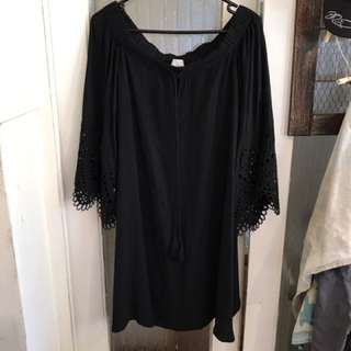 Witchery Black dress -10